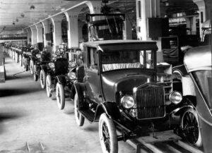 2ª Revolução Industrial veio com a produção em massa