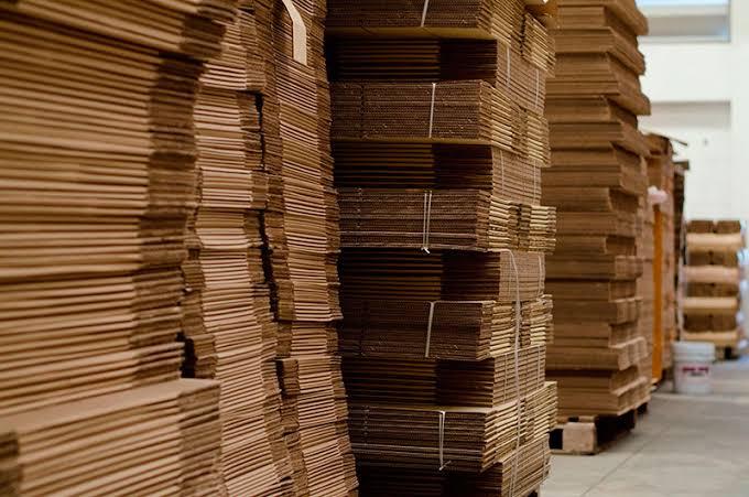 Falta plástico e papelão para atender demanda brasileira